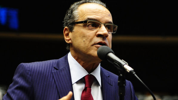 Henrique Alves assume a presidência do País nesta segunda