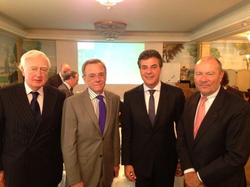 Governador Beto Richa apresenta incentivos do Paraná à empresários franceses