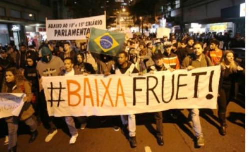 Movimento Baixa Fruet volta às ruas e defende tarifa de ônibus a R$ 2.25