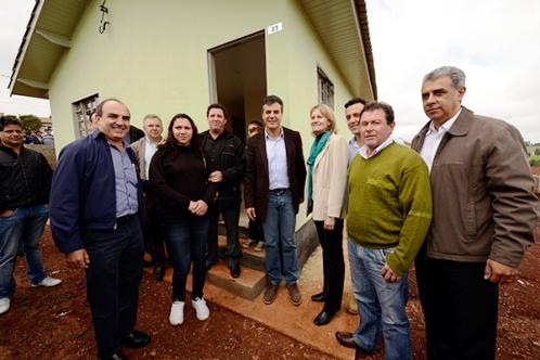 Um ano antes, Paraná supera meta de 10 mil moradias rurais