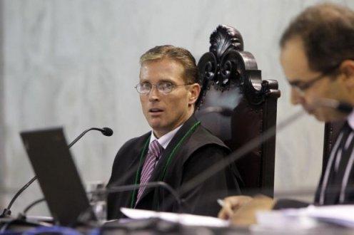 STF afasta novamente Fabio Camargo do TCE