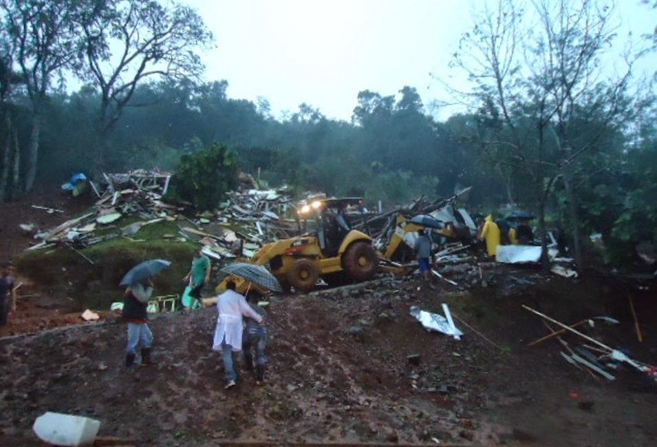 Deputado Nereu Moura acompanha drama de atingidos pela chuva no Centro-Sul do Paraná