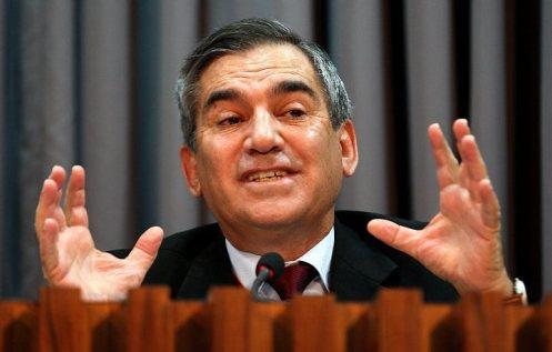 Gilberto Carvalho continua no governo Dilma, decide Lula