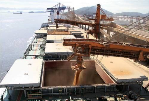 Porto de Paranaguá bate recorde histórico de exportação de grãos