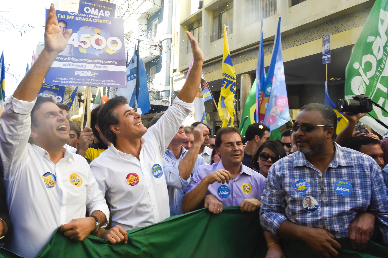 Beto Richa e Aécio têm encontro com lideranças regionais em Cascavel