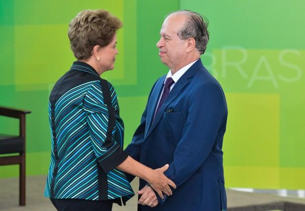 Dilma corta 2 milhões de vagas no Pronatec