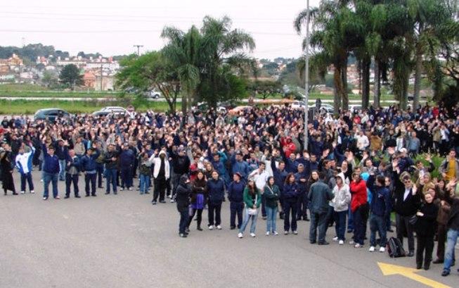 Em Curitiba, metalúrgicos da Volvo encerram greve