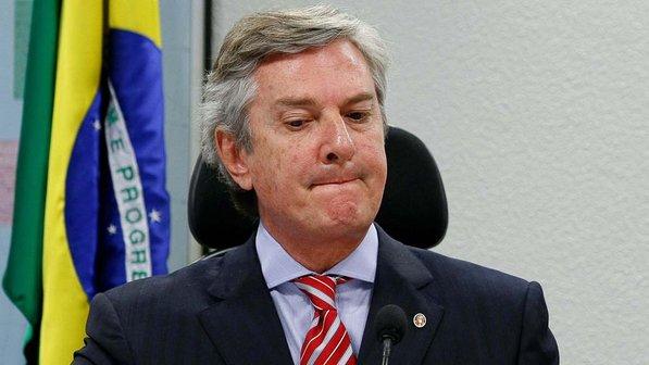 Collor recebeu R$ 26 milhões de propina em 5 anos, diz Janot
