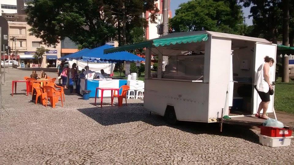 Fruet manda fechar a Feirinha de Guaratuba na Praça do Homem Nu