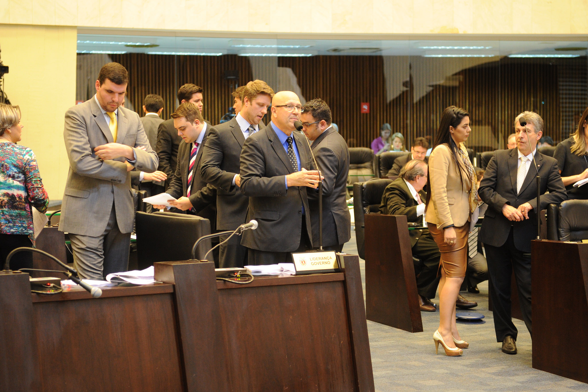 Assembleia aprova orçamento de R$ 54,5 bilhões para 2016