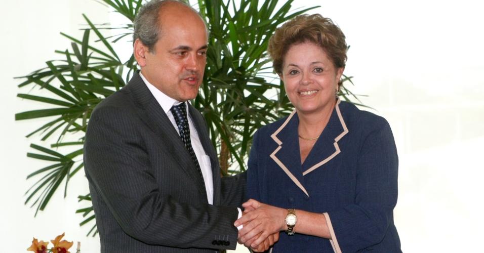 Por metrô e verba, Fruet assina manifesto contra o impeachment de Dilma