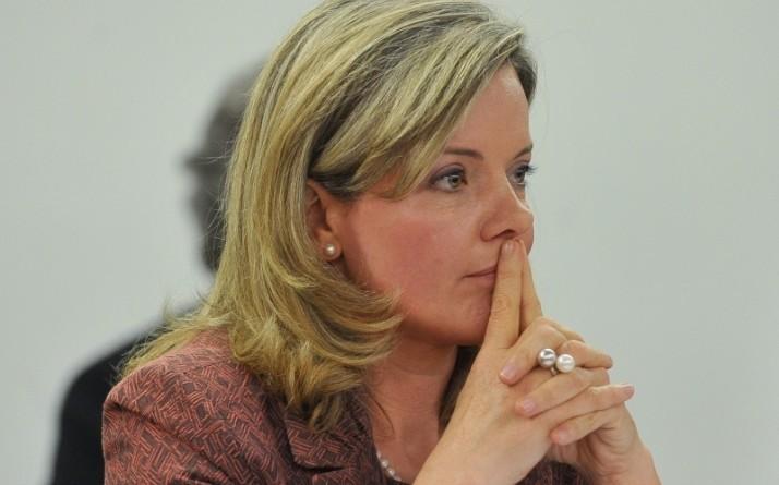 Após Gleisi Hoffmann receber R$ 2,4 mi da Petrobras, PT menciona afastá-la do partido