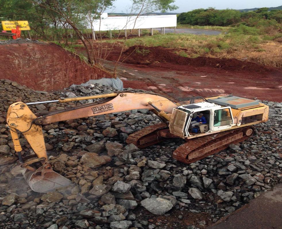 DER-PR libera 35 dos 50 pontos de rodovias danificados pelas chuvas