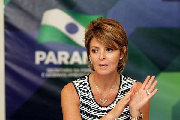 Secretária da Família e Desenvolvimento Social Fernanda Richa participa do encontro com prefeitos eleitos. Foto:Rogério Machado/SEDS