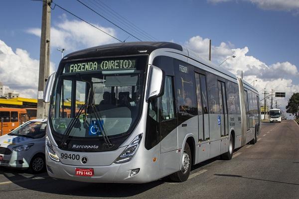 Novo ônibus articulado da linha Fazenda Direto. Fazenda Rio Grande. Foto: Pedro Ribas