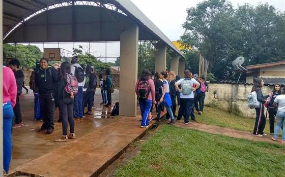 Estudantes desocupam três escolas de Maringá