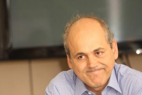 Fruet quer parcelar dívida milionária com previdência dos servidores municipais