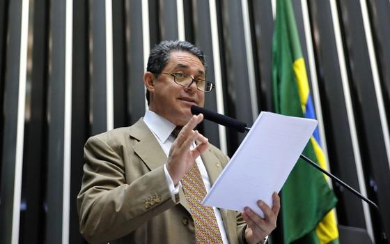 Operação Lava Jato acha propina por escola de samba e chega ao abismo do PT