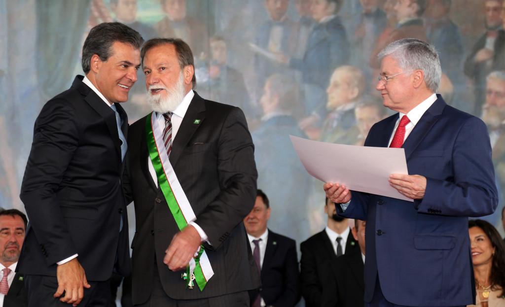 Osmar Dias vai percorrer Paraná e está à disposição 'da população' para 2018