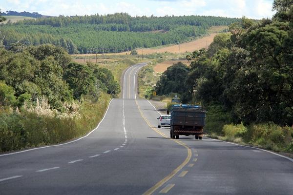 Governo do Estado conclui obras em rodovias das regiões Oeste e Sudoeste. Na foto PR 280 Palmas. Foto: Jorge Woll/DER