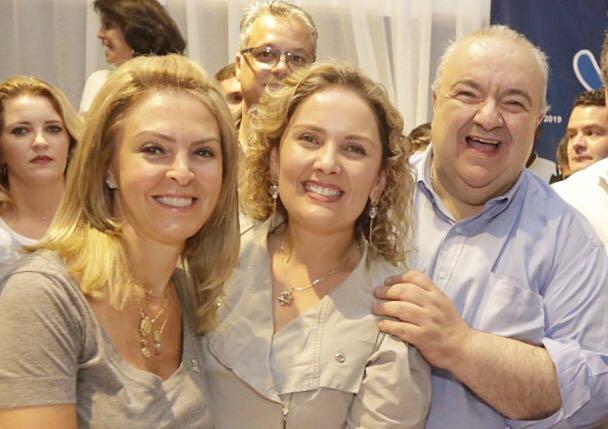 Greca escolhe Larissa Marsolik para FAS