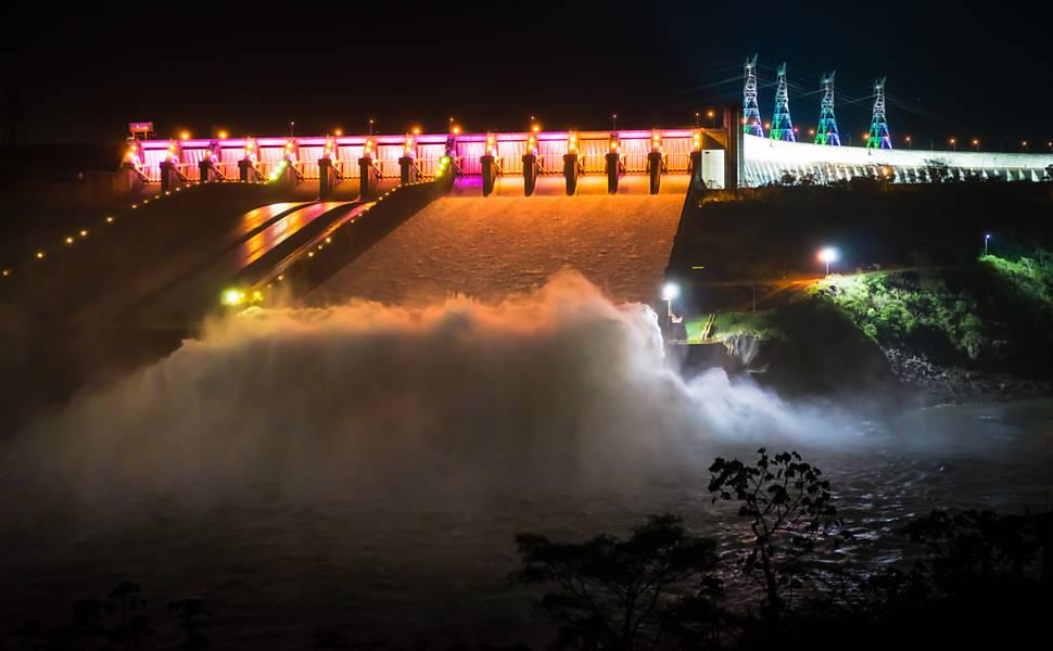 Itaipu desbanca chinesa e bate neste sábado recorde de geração de energia