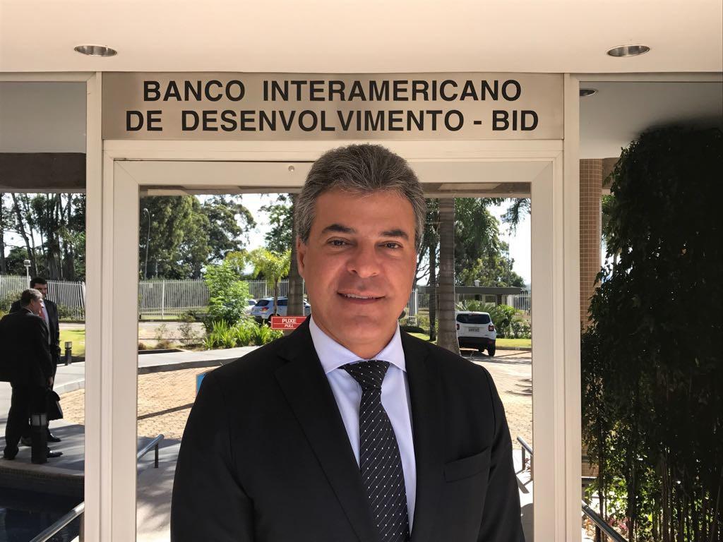 O governador Beto Richa se reuniu nesta quarta-feira (15), em Bras'lia, com representantes do Banco Interamericano de Desenvolvimento (BID) para tratar de agilidade na aprova‹o de financiamentos, junto ˆ institui‹o, para investimentos no Paran‡. Brasilia, 15/03/2017 Foto: ANPr