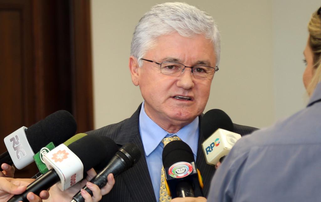 Secretário chefe da Casa Civil, Valdir Rossoni, durante coletiva de imprensa sobre a LDO. Curitiba, 19/04/2016. Foto: Orlando Kissner/ANPr
