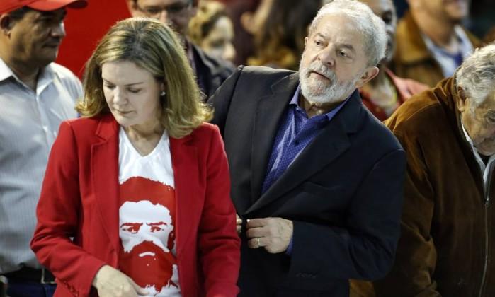 Lula mandou Gleisi calar boca
