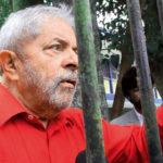 Advogado pede a tribunal que tome passaporte de Lula