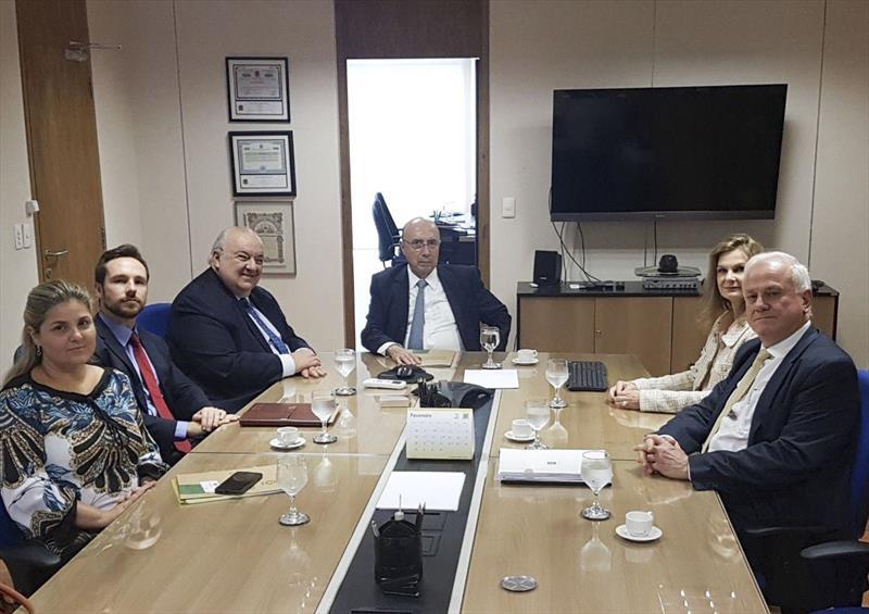 Recuperamos a liquidez de Curitiba, destaca Greca em encontro com ministro Henrique Meirelles
