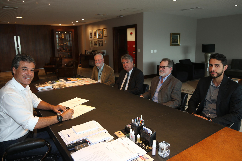 Richa quer mais R$ 760 milhões para obras nas cidades do Paraná
