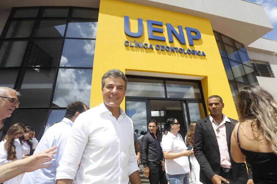 Richa inaugura clínica odontológica da Uenp em Jacarezinho