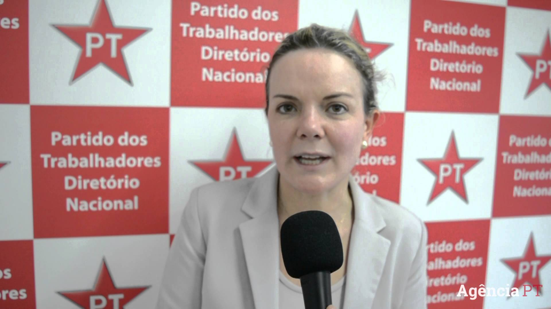 """Revista feminina Marie Claire publica """"fake news"""" ao anunciar Gleisi como candidata ao governo do Paraná"""