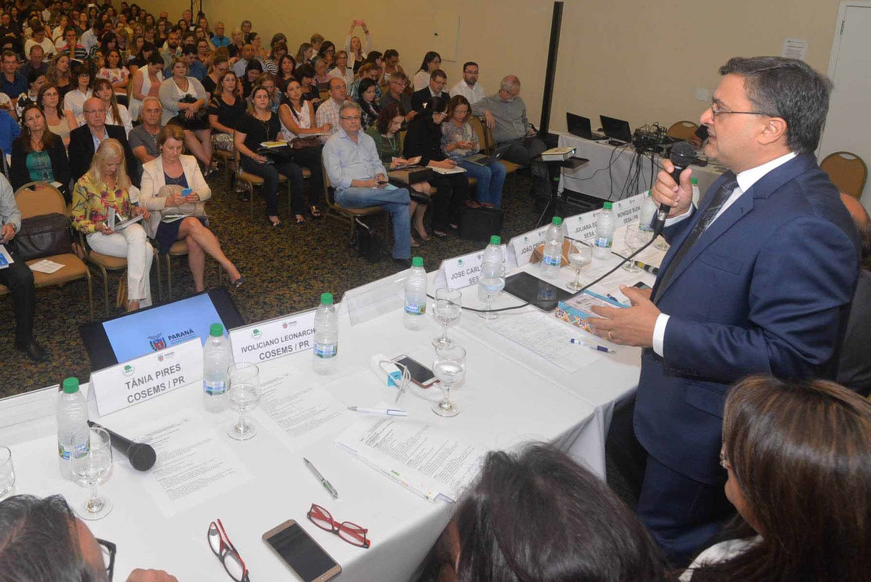 Paraná amplia repasse para compra de medicamentos aos municípios