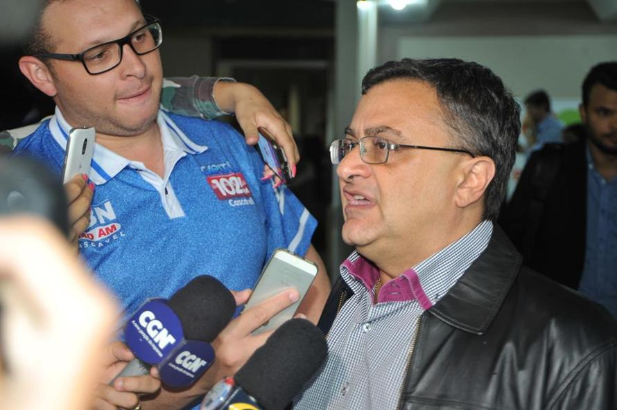 Michele Caputo anuncia contratação de mais 543 profissionais na Saúde
