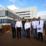 Cida Borghetti visita obras do Hospital Universitário da UEPG
