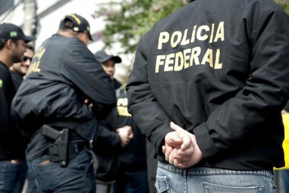 PF cumpre mais de 100 mandados em operação que investiga Postalis