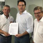 Entidades agrícolas de Cascavel entregam reivindicações do setor ao deputado Ratinho Junior