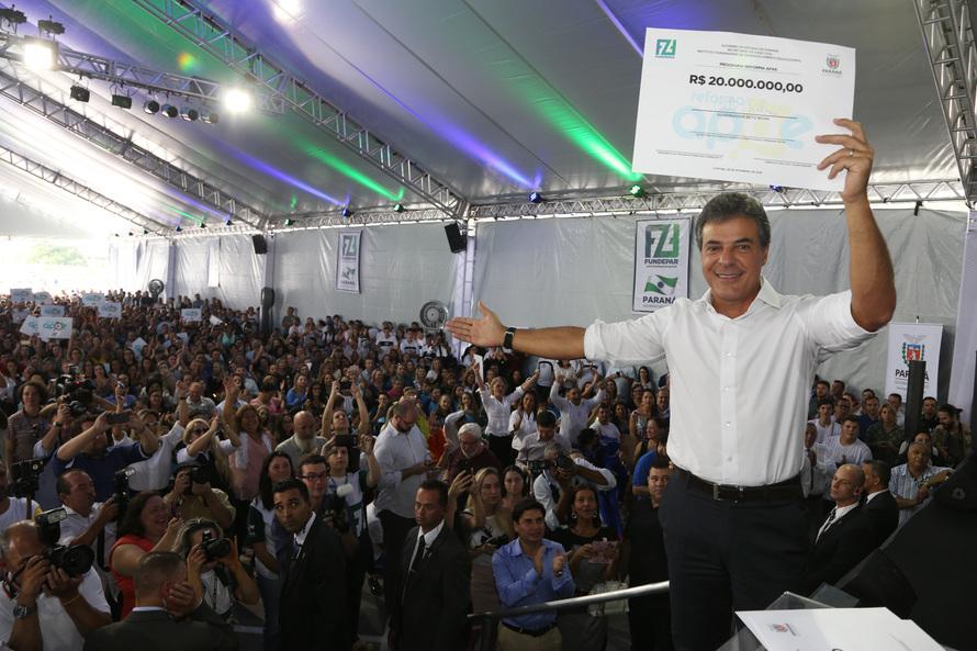 Richa repassa R$ 20 milhões para reforma de 200 Apaes