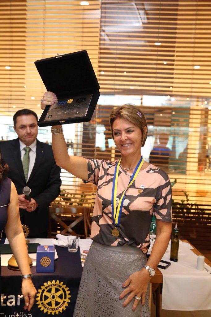Fernanda Richa é homenageada pelo Rotary Club de Curitiba