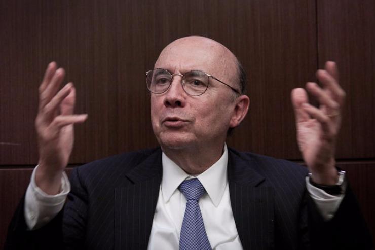 Meirelles diz que política da Petrobras não muda, mas fala em baixar impostos
