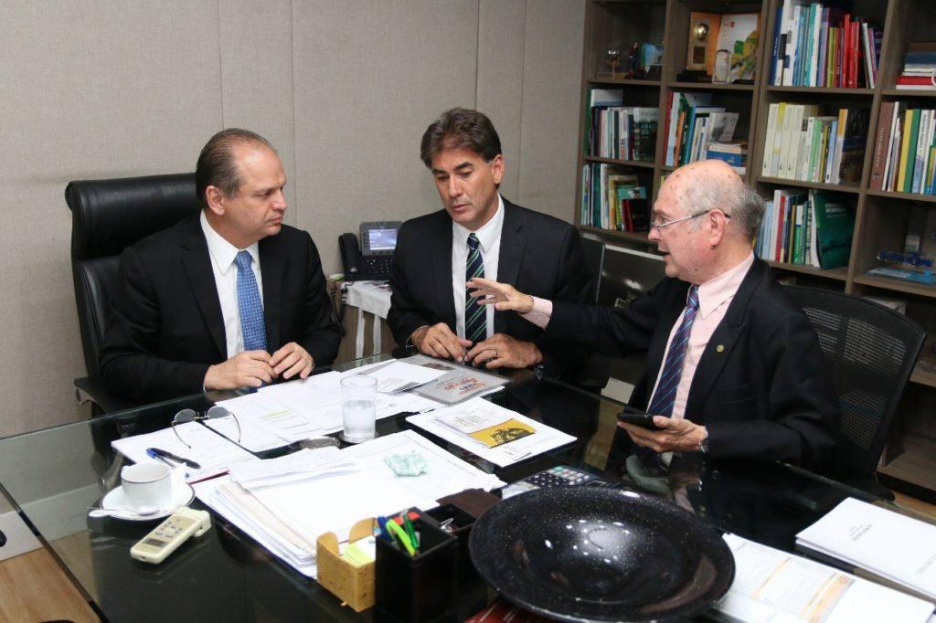 Kaefer libera R$ 11 milhões para o Hospital Municipal de Cascavel