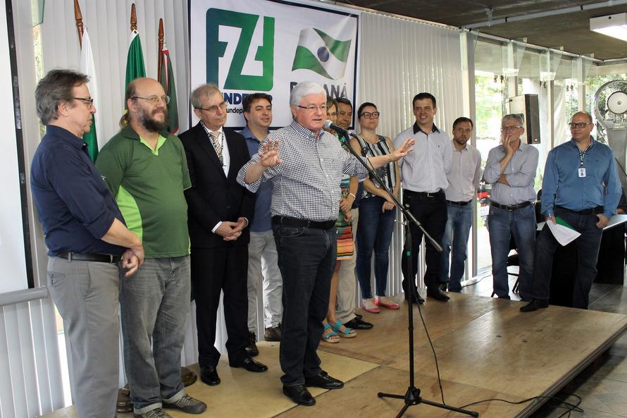 PR contrata 144 cooperativas e associações de agricultura familiar para fornecer merenda às escolas estaduais