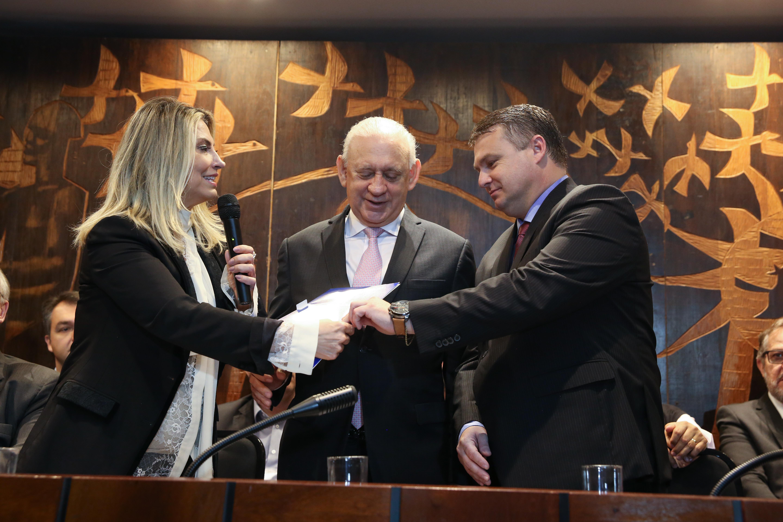 Novo presidente da AMP toma posse na Assembleia