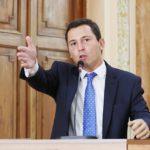 Pier Petruzziello destaca criação do Dia Nacional da Consciência sobre Autismo