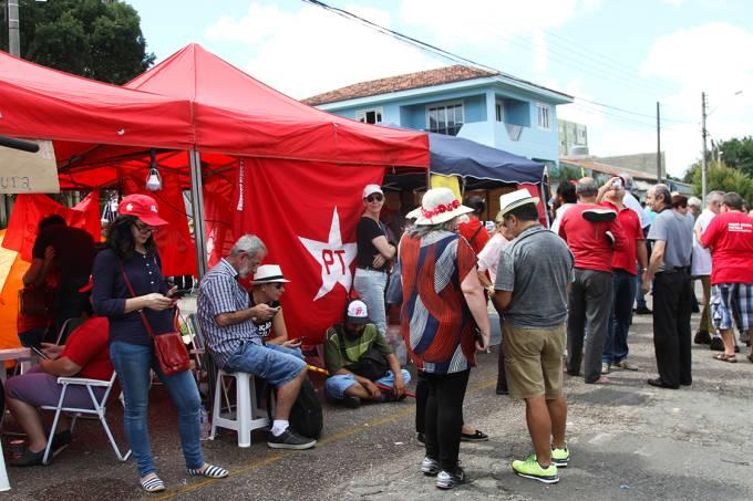 Tiros no acampamento pró-Lula em Curitiba