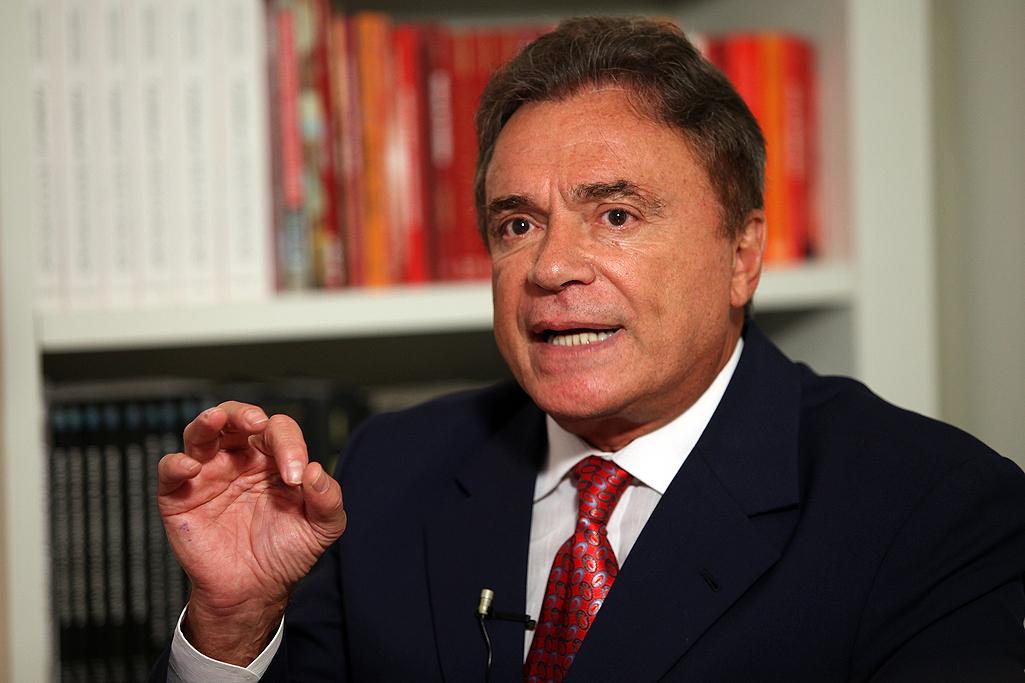 PEC de Alvaro Dias é arquivada