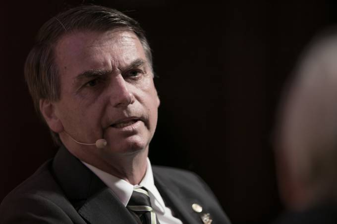Facebook retira do ar duas páginas de apoio a Jair Bolsonaro