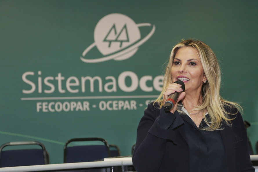 Cida destaca força e importância das cooperativas do Paraná